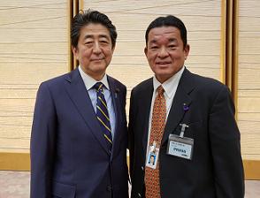 安倍総理大臣.png