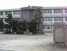 280px-Imabari-nishi_highschool.jpg