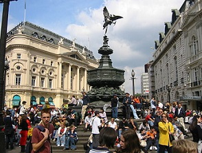 500px-Shaftesbury_Memorial_and_the_Statue_of_Anteros_at_Piccadilly_Circus.jpg