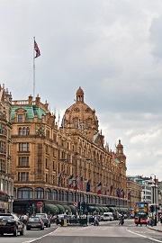 Harrods,_London_-_June_2009.jpg